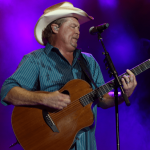 Tracy Lawrence marks 30 years in music with 'Hindsight 2020' collection