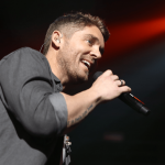 """Brett Young hits No. 1 for 7th time on country radio with """"Lady"""""""