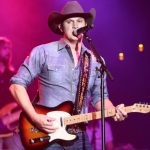 """Jon Pardi debuts video for his single """"Tequila Little Time"""""""